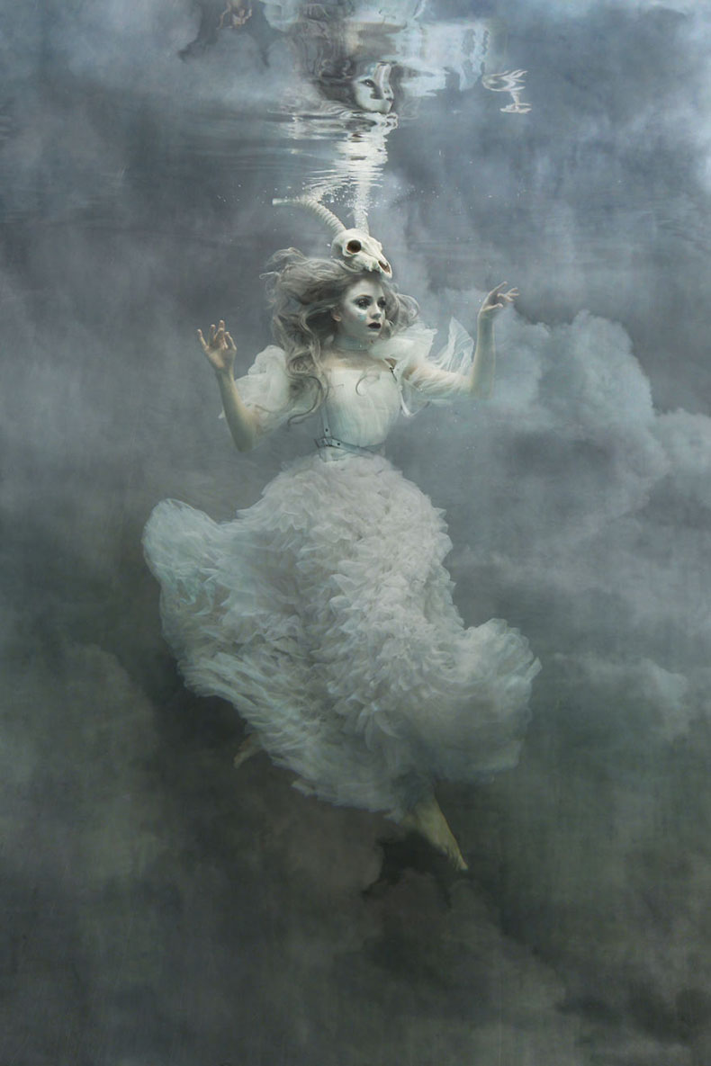 i-am-an-underwater-fine-art-portrait-photographer-but-not-because-i-want-underwater-photos-583b5d60e1ff1__880